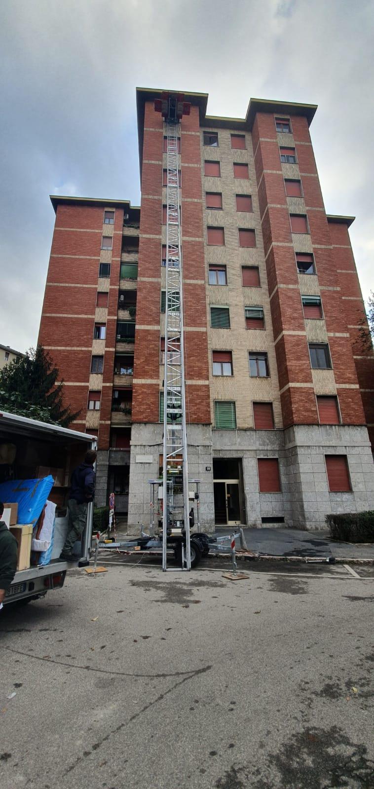 Scale elevatori per traslochi ed edilizia